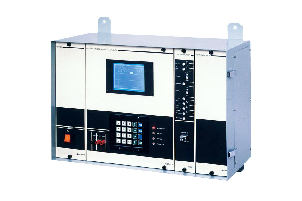 Photo of EC2100 Digital Amplifier